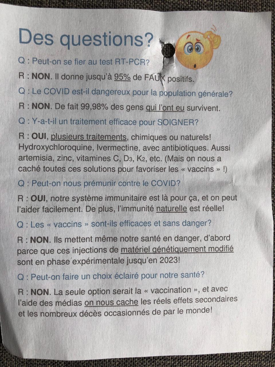 Tract manifestement anti-vaccination découvert sur un arbre dans le Parc d'à côté.